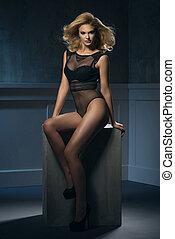 sexy, frau, schwarz, junger, damenunterwäsche