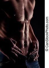 sexy, gespierd, naakt, man, met, waterdruppels, op, maag