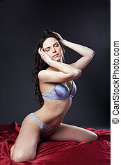 sexy, jeune femme, portrait, sur, rouges, dans, gris, lingerie