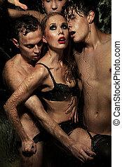 sexy, kobieta, przedstawianie, z, mężczyźni