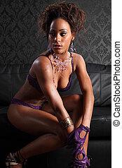 sexy, młody, afrykańska amerykańska kobieta, w, bielizna