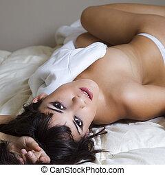sexy, mujer joven, lenceria