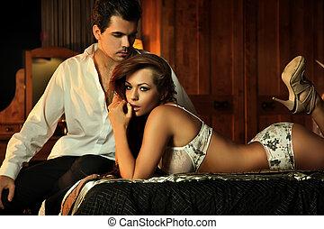 sexy, pareja, en, dormitorio