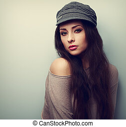 sexy, poppig, frau, in, kappe, posing., weinlese, closeup, porträt