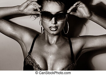 sexy, poser, brunette, lunettes soleil