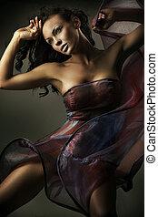 sexy, tramortire, brunetta, bellezza, in, uno, romantico, atteggiarsi