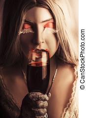 sexy, vampire, girl, à, tenant verre, de, sanguine