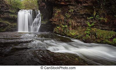 Sgwd Ddwli Isaf waterfalls