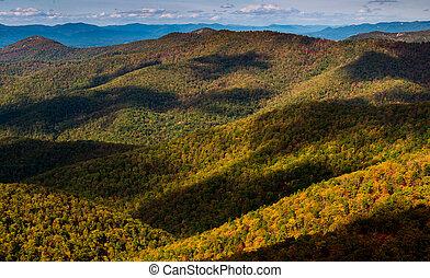 shadows, kék, nyom, virginia., hegygerinc, nemzeti, shenandoah, liget, csúcstalálkozó, blackrock, appalachian, látott, mentén, felhő