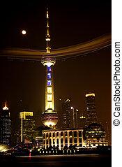 Shanghai TV Tower Blimp - Shanghai TV Tower Pudong at night...