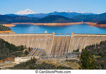 Shasta Dam California - Shasta Dam and Lake Shasta