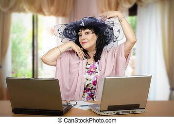 She loves being online matchmaker - Matchmaker getting ...