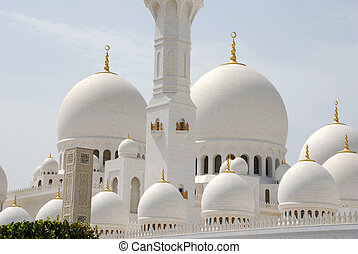 Sheikh Zayed Grand Mosque in Abu Dhabi (UAE)