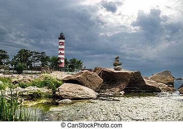shepelevsky, 灯台, 上に, 湾, の, フィンランド, 中に, レニングラード, 地域, 中に, 曇り, weather.