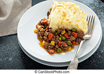 Shepherds pie with beef - Shepherds pie with ground beef and...