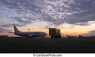 sheremetyevo, décollage, tatarstan, champ, aéroport, avion, coucher soleil, stands