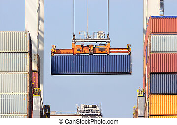 Ship loading container