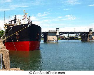 Ship moored, Portland OR. - Heavy duty mechanical dredger...