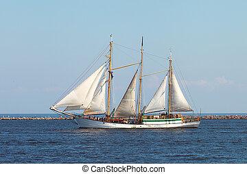 ship., nawigacja