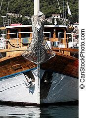 Ship prow - Beautiful old sea boat prow