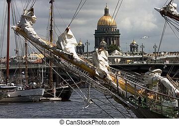 Ships at Neva river, St.Petersburg, Russia - Ships at Neva ...