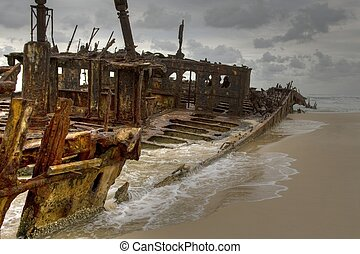 Shipwreck Fraser Island - Maheno shipwreck on Fraser...