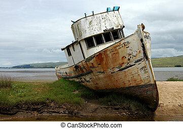 Shipwreck - Pt Reyes, Calif