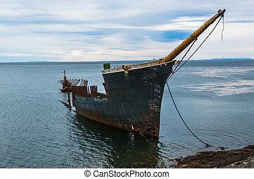 Shipwreck south of Punta Arenas Chile