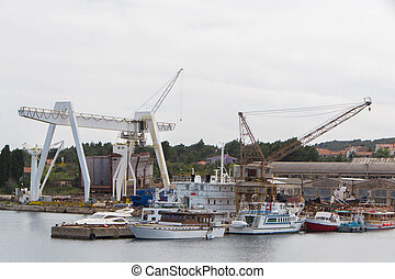 Shipyard and service for ships