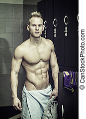 shirtless, erős, fiatal, hím atléta, alatt, tornaterem, ruha hely