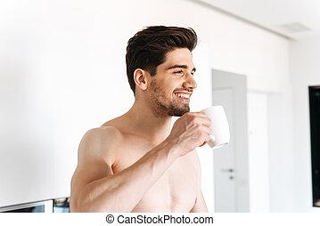 shirtless, felice, caffè bevente, uomo