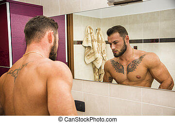 shirtless, muscular, guapo, hombre, en, cuarto de baño