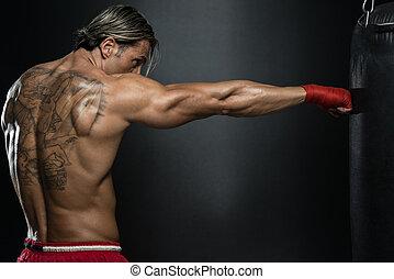 shirtless, muscular, saco, pugilista, perfurando, ginásio