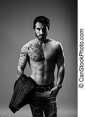 shirtless, uomo, ritratto, spalla, suo, giacca, cuoio, presa a terra, giovane