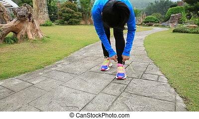 shoelace, przywiązywanie