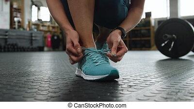 shoelaces, sportowy, kobieta, przywiązywanie, prospekt, ...