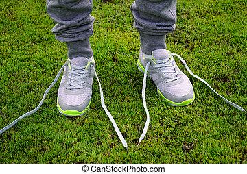 shoes., rennende , gestopt, kanten, vastknopen, meisje