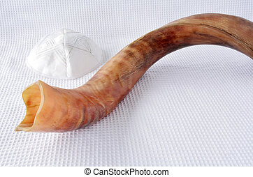 shofar, (horn), 以及, yamaka