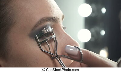 Shooting of visagist using eyelash curler - Video of...