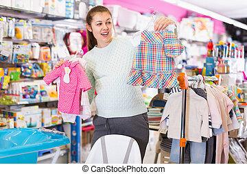shop., 女, 選択, 妊娠した, 赤ん坊は 着る