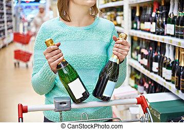 shop, kvinde, chooses, champagne