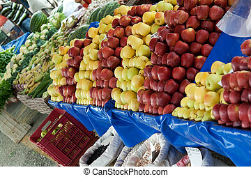 Shop the fruit market on market day
