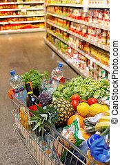 shoppa vagnen, med, frukt, grönsak, mat, in, supermarket