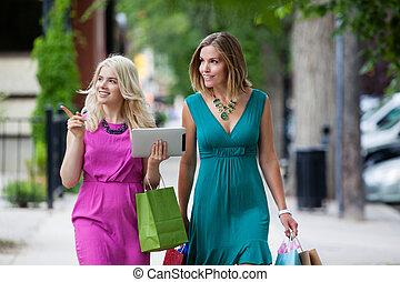 shoppen, frauen, mit, digital tablette