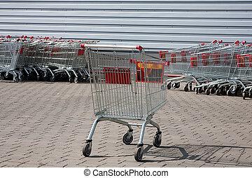 shoppen , supermarkt, karretjes