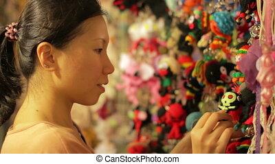 Shopping Asian Night Market