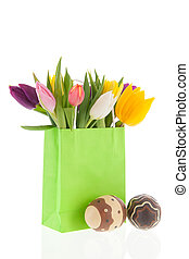 Shopping bag colorful tulips with easter eggs