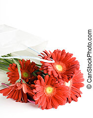 Shopping bag with a bouquet daisy flowers