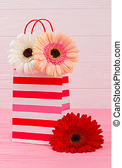 Shopping bag with flowers.