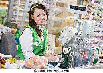 shopping., cashdesk, trabajador, en, supermercado